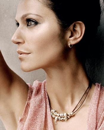 European style necklace